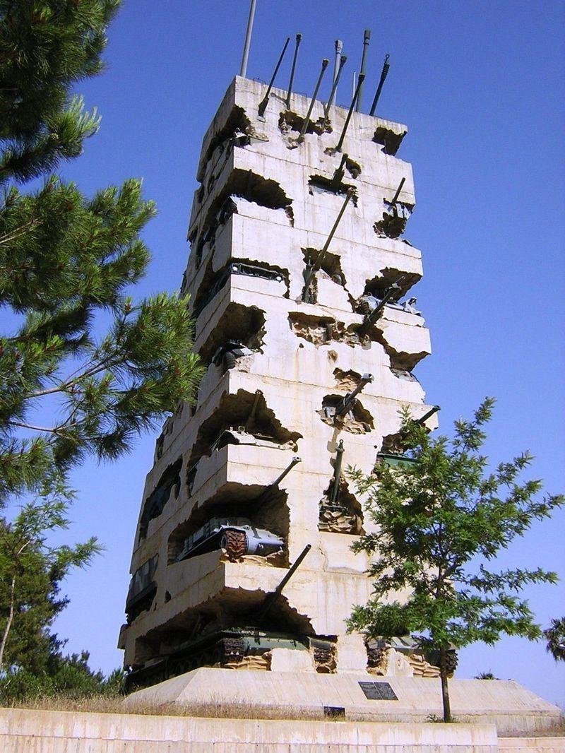 Название: памятник из танков.jpg Просмотров: 610  Размер: 266.4 Кб