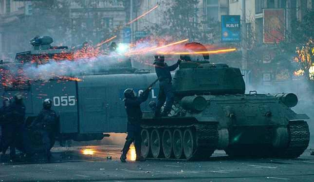 Название: танк в Будапеште.jpg Просмотров: 855  Размер: 29.9 Кб
