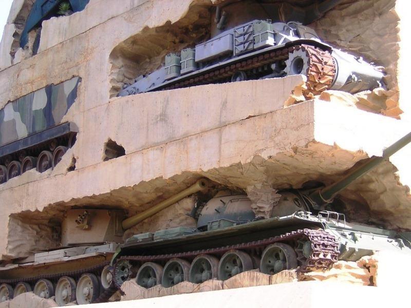 Название: танки в стене.jpg Просмотров: 537  Размер: 154.9 Кб